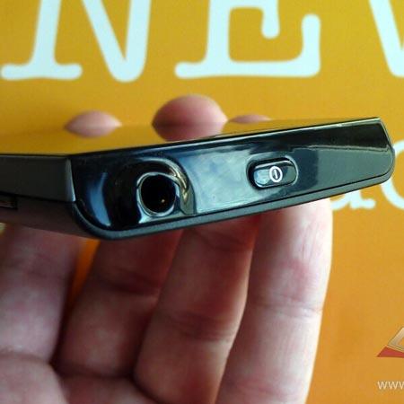 �������� Sony Ericsson ST18i