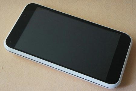 Китайский 10-дюймовый планшет с выдвижной клавиатурой стоит $250