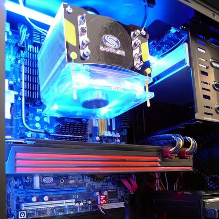3D-����� Sapphire Radeon HD 6990 ������� ������