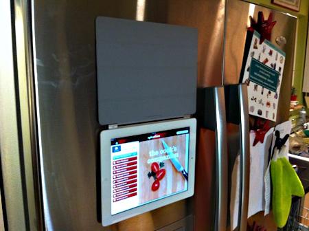 Smart Cover + iPad = магнит на холодильник
