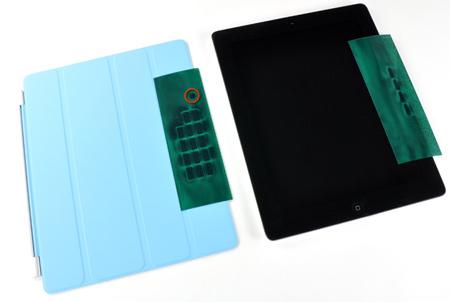внутри iPad 2 и Smart Cover установлено более 30 магнитов