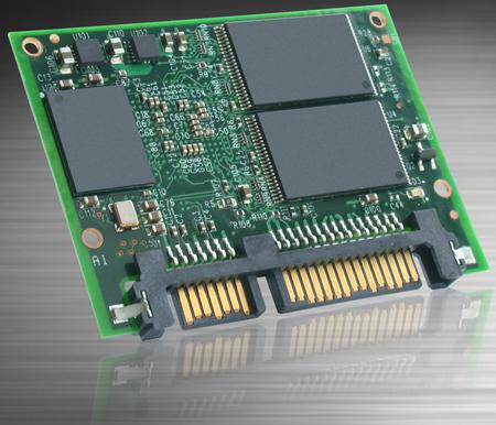 Твердотельный накопитель XceedIOPS iSATA Slim выполнен в виде модуля размерами 39 х 54 х 4 мм