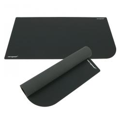 На коврике Corepad DeskPad помещается не только мышь
