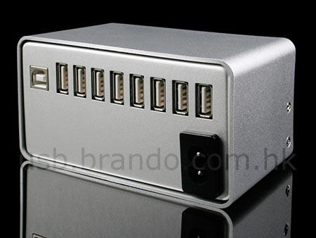 16-портовый концентратор USB оснащен встроенным блоком питания