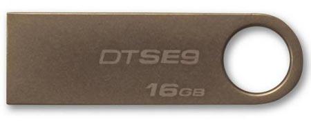 Корпус флэш-накопителя Kingston DataTraveler SE9 изготовлен из металла
