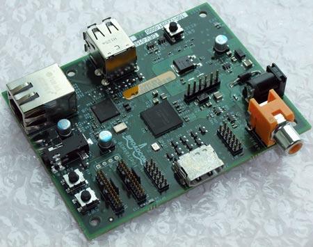 Продажи одноплатного компьютера Raspberry Pi стоимостью $25 начнутся в декабре