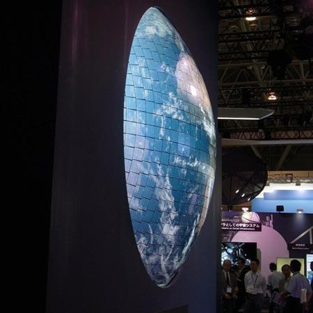 CEATEC Japan 2011: Mitsubishi показала дисплей типа OLED в виде шарового сегмента диаметром 2700 мм