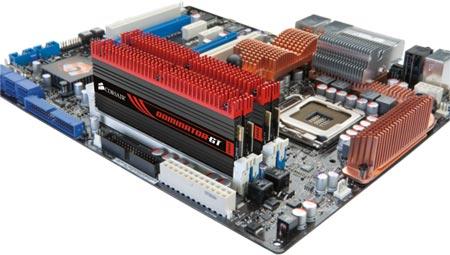 У Corsair готовы четырехканальные комплекты модулей памяти Dominator DDR3-1866 емкостью 32ГБ