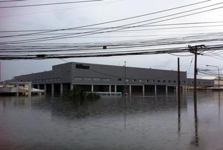 фабрика Nikon в Таиланде затополена в результате наводнения