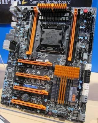 Системная плата Gigabyte GA-X79-UD7