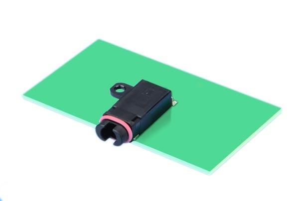 Водонепроницаемый разъем диаметром 3,5 мм предназначен смартфонов и других мобильных устройств