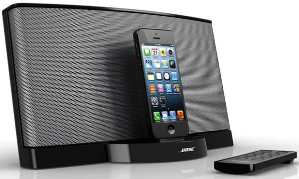 ����������� ������� Bose SoundDock III ���������� �� ����� ������ iPhone � iPod