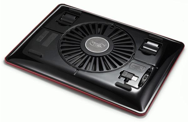 Охлаждающая подставка для ноутбуков Deepcool N1 весит 700 г