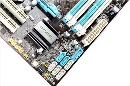 ONDA выпустила недорогую системную плату типоразмера microATX на чипсете Intel Z77