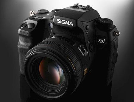 Sigma переименовывает зеркальную камеру SD1 и снижает цену на нее в три раза
