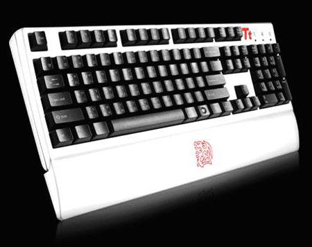 Игровая клавиатура Tt eSPORTS MEKA G1 COMBAT WHITE выкрашена в белый цвет