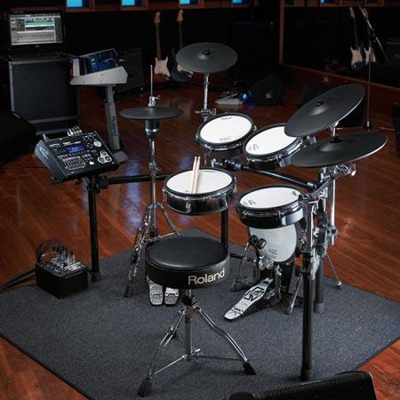 Roland пополняет линейку электронных барабанных установок V-Drums моделями HD-3, TD-30K и TD-30KV