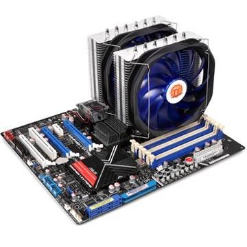 В конструкцию процессорного охладителя Thermaltake Frio Extreme входит пара 140-миллиметровых вентиляторов