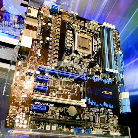 Computex 2012 ASUS Wolverine - прототип материнской платы с 40-фазной системой питания.