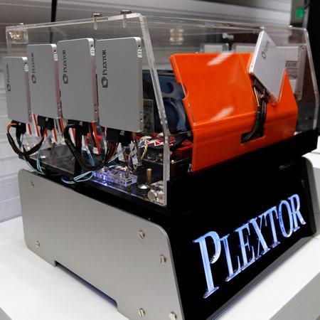 Plextor представила массив SSD, развивающий скорость записи 3200 МБ/