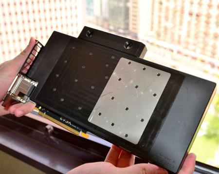 Появились снимки 3D-карты EVGA GeForce GTX 680 Classified