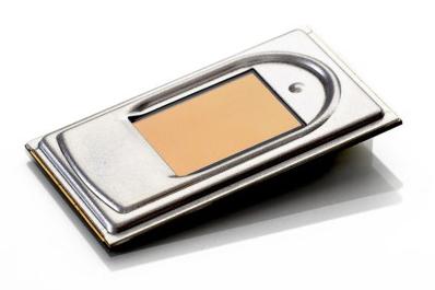 Толщина дактилоскопического датчика Fingerprint Cards FPC1011F3 равна 2,3 мм