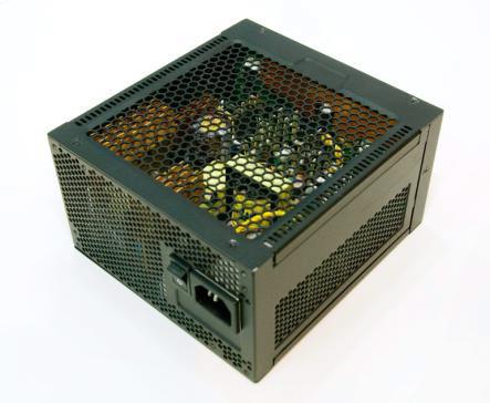 В серию Seasonic Platinum вошел блок питания мощностью 1200 Вт и модель мощностью 520 Вт с пассивным охлаждением