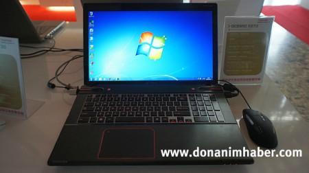 Ноутбук Toshiba Qosmio X870