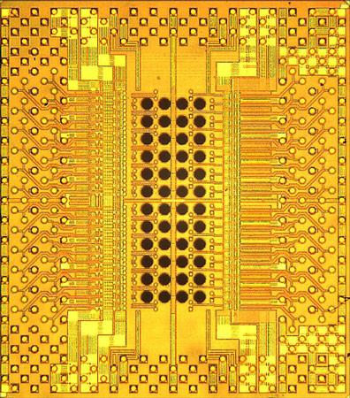 В IBM создан оптический приемопередатчик Holey Optochip, способный работать со скоростью 1 Тбит/с