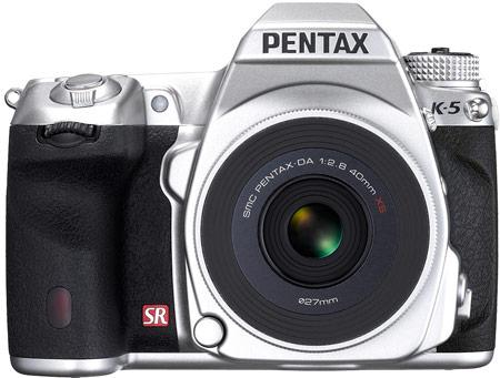 Pentax выпустит 1500 комплектов из серебристых камер PENTAX K-5 и объективов smc PENTAX-DA 40mm F2.8 XS