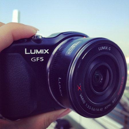 Фото дня: беззеркальная камера со сменными объективами Panasonic DMC-GF5