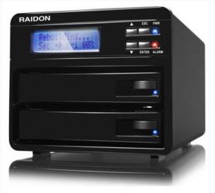 Корпус для внешнего накопителя RAIDON GR3630-SB3 рассчитан на два жестких диска типоразмера 3,5 дюйма