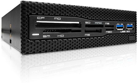 Устройство для работы с картами памяти NZXT Aperture M дополнено двумя разъемами USB 3.0