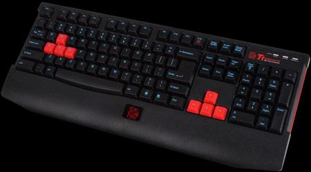 Клавиатура Tt eSPORTS KNUCKER комплектуется восемью сменными колпачками клавиш