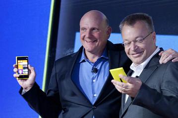 Абоненты AT&T могут купить Nokia Lumia 820 за $50, Lumia 920 — за $100