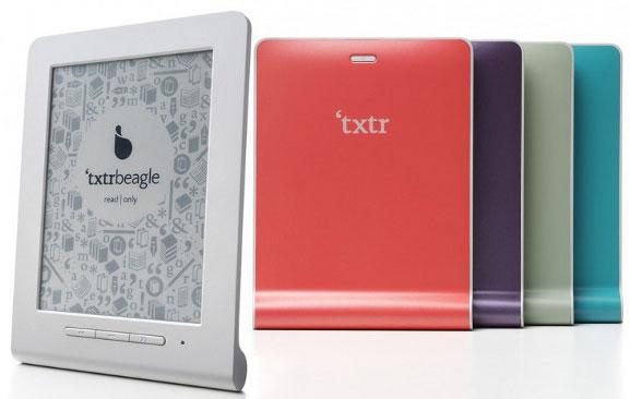 Пятидюймовая книга Txtr Beagle имеет только интерфейс Bluetooth и питается от батареек AAA