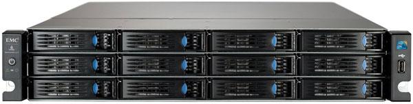 Хранилище Iomega StorCenter px12-450r имеет 12 отсеков для накопителей