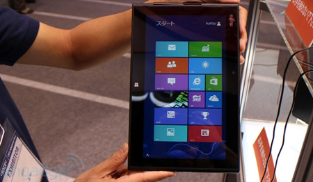 Fujitsu Arrows Tab под управлением Windows 8