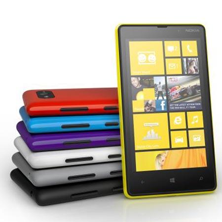 Представлен смартфон Nokia Lumia 820 с ОС Windows Phone 8