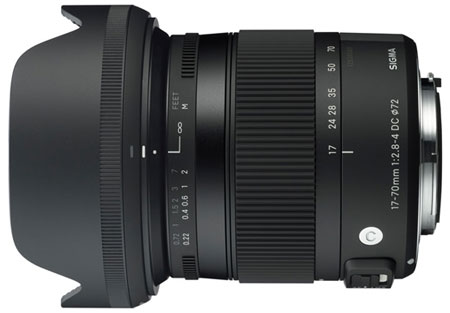 В комплект объектива Sigma 17-70mm F2.8-4 DC MACRO OS HSM входит бленда LH780-03