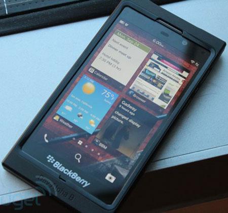 Устройство Dev Alpha B оснащено экраном размером 4,2 дюйма