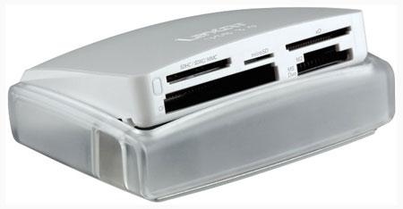 В комплект поставки Lexar Multi-Card 25-in-1 USB 3.0 Reader включен кабель USB 3.0
