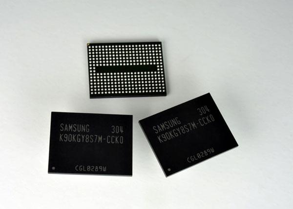 ���� ������ MLC NAND ���������� 128 ����, ����������� Samsung �� ���������� 10-������������� ������, ������������ �������� 400 ����/�