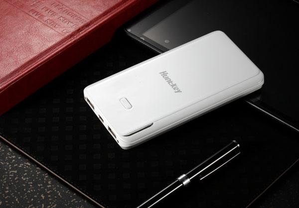 Внешний аккумулятор Huntkey PBA7000 емкостью 7000 мА∙ч имеет два выхода USB