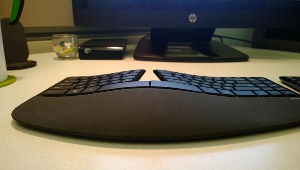 ������� Sculpt Ergonomic Desktop �������� � ���� ������ �� ���� $130