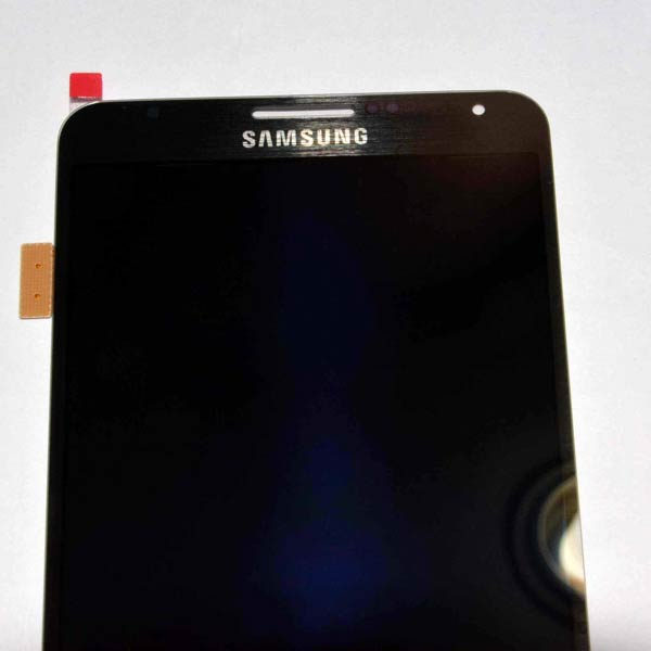 ������ ���� Samsung Galaxy Gear � ����������� Samsung Galaxy Note 3 ����� ������������ 4 ��������