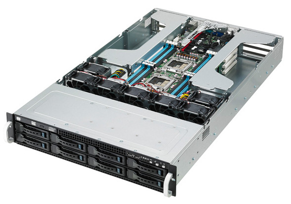 Сервер Asus ESC4000 G2 с четырьмя картами Tesla K40 способен продемонстрировать производительность 5,72 TFLOPS