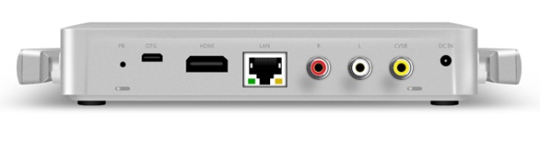 TV-приставка Egreat V10 оснащена двумя внешними антеннами для приёма сигнала Wi-Fi