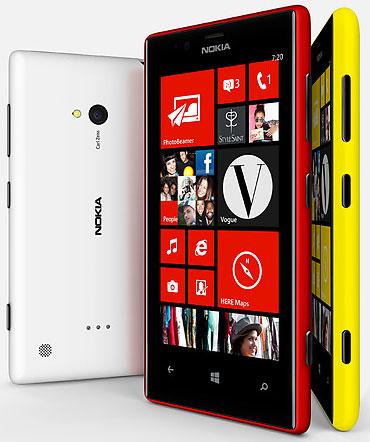 Nokia Lumia 720 – смартфон среднего уровня