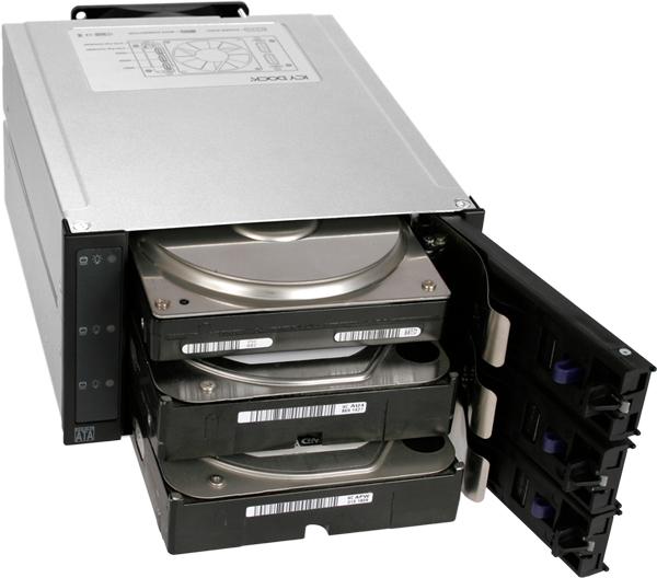 Монтаж и демонтаж накопителей в Icy Dock FlexCage MB973SP-1B не требует инструментов